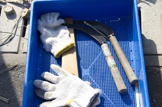 草取りで必要な基本道具